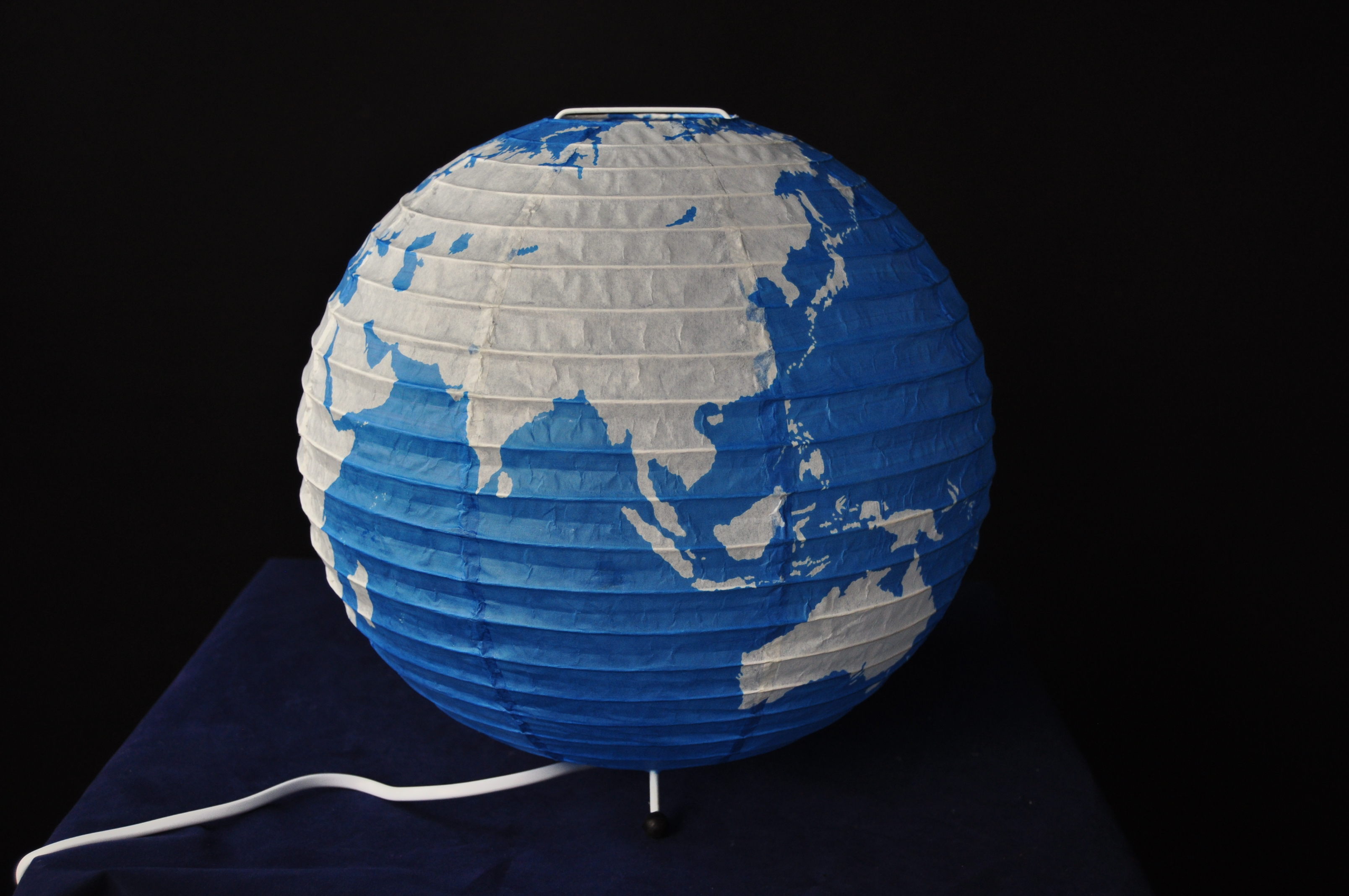Earth printing paper fold shade table lamp